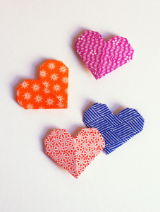 origami-heart-bookmarks
